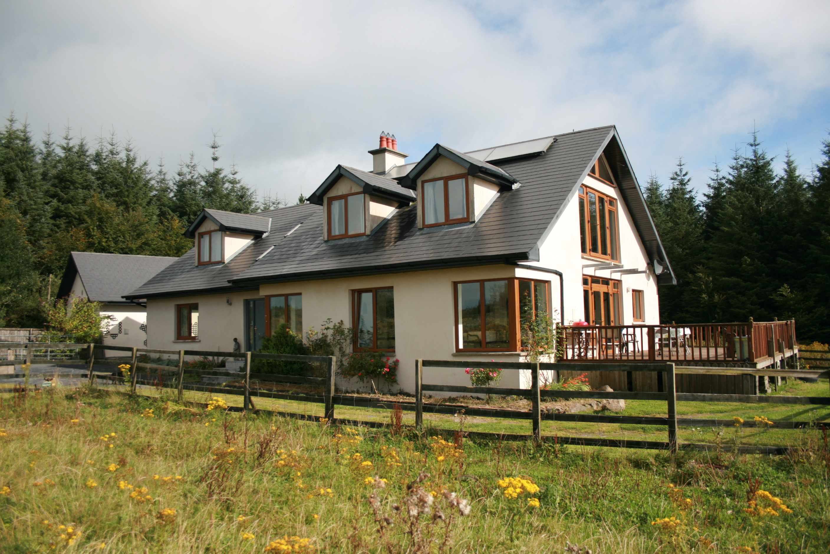 1 Spacious Rural five bedroom house